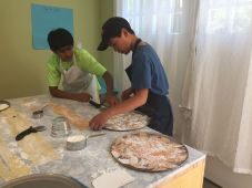 Pizza, Para, Boys making Pizza